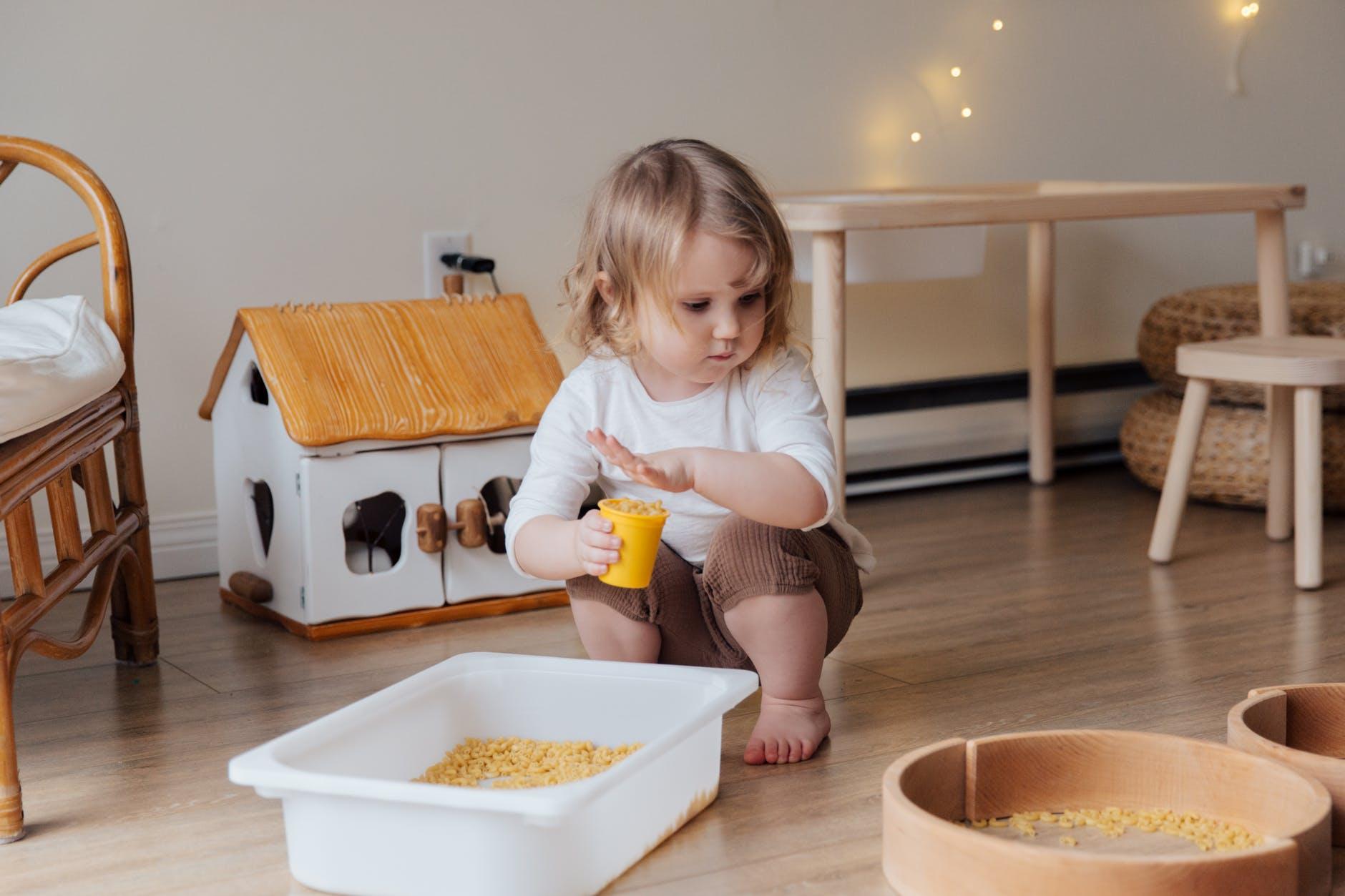Дома из бутылок, контейнеров и Lego — как решают жилищную проблему в разных странах мира