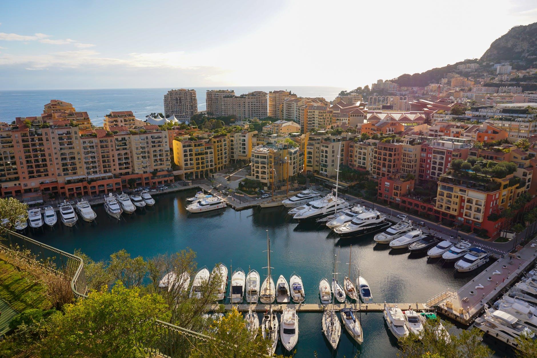 Кризис и инвестиции в заграничные курорты: «ждать или не ждать у моря погоды»?